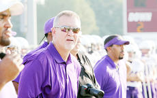 """<div class=""""source""""></div><div class=""""image-desc"""">Chuck Smith, former Campbellsville High School head coach and University of Kentucky assistant  is back on the sidelines this fall as a defensive assistant at Bardstown High School.</div><div class=""""buy-pic""""></div>"""