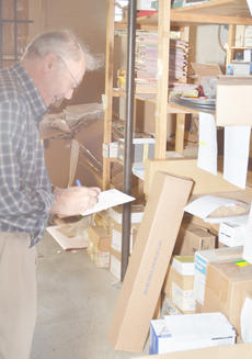 "<div class=""source"">Calen McKinney</div><div class=""image-desc"">Bill Chandler, owner of Chandler's Office Supply, prepares orders to be delivered. Campbellsville/Taylor County Chamber of Commerce members recently voted Chandler's business as Business of the Year.</div><div class=""buy-pic""><a href=""http://web2.lcni5.com/cgi-bin/c2newbuyphoto.cgi?pub=085&orig=Chandler%2527s%2B1.jpg"" target=""_new"">Buy this photo</a></div>"