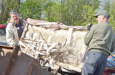 """<div class=""""source"""">Calen McKinney</div><div class=""""image-desc"""">County Road Department employees Gary Hunt, at left, and Doug Godsey help unload items at Friday's cleanup.</div><div class=""""buy-pic""""><a href=""""http://web2.lcni5.com/cgi-bin/c2newbuyphoto.cgi?pub=085&orig=Cleanup%2B1_1.jpg"""" target=""""_new"""">Buy this photo</a></div>"""