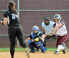 "<div class=""source"">Richard RoBards</div><div class=""image-desc"">Taylor County High School product Jennifer England in both of CU's wins over Lindsey Wilson.</div><div class=""buy-pic""></div>"