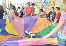 """<div class=""""source"""">Calen McKinney</div><div class=""""image-desc"""">Becky Nash, county extension agent for family and consumer sciences, representing the Taylor County Healthy Living Coalition, leads a group of students in a game.</div><div class=""""buy-pic""""><a href=""""/photo_select/40864"""">Buy this photo</a></div>"""