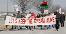 "<div class=""source"">Calen McKinney</div><div class=""image-desc"">About 40 people participated in the annual Dr. Martin Luther King Jr. march on Saturday afternoon.</div><div class=""buy-pic""><a href=""http://web2.lcni5.com/cgi-bin/c2newbuyphoto.cgi?pub=085&orig=MLK%2BMarch%2B1_0.jpg"" target=""_new"">Buy this photo</a></div>"