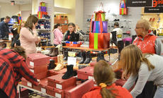 """<div class=""""source"""">Calen McKinney</div><div class=""""image-desc"""">Shoppers look for shoes, jewelry, clothing and bedding items at JCPenney on Thanksgiving night. The store opened at 8 p.m.</div><div class=""""buy-pic""""><a href=""""/photo_select/48711"""">Buy this photo</a></div>"""
