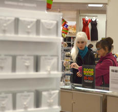 """<div class=""""source"""">Calen McKinney</div><div class=""""image-desc"""">Shoppers look for shoes, jewelry, clothing and bedding items at JCPenney on Thanksgiving night. The store opened at 8 p.m.</div><div class=""""buy-pic""""><a href=""""/photo_select/48714"""">Buy this photo</a></div>"""