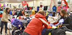 """<div class=""""source"""">Calen McKinney</div><div class=""""image-desc"""">Shoppers look for shoes, jewelry, clothing and bedding items at JCPenney on Thanksgiving night. The store opened at 8 p.m.</div><div class=""""buy-pic""""><a href=""""/photo_select/48717"""">Buy this photo</a></div>"""