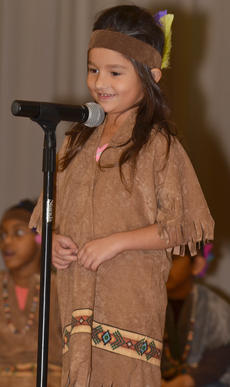 """<div class=""""source"""">Calen McKinney</div><div class=""""image-desc"""">Amy Gilbrech tells the crowd what she is thankful for this Thanksgiving.</div><div class=""""buy-pic""""><a href=""""/photo_select/48654"""">Buy this photo</a></div>"""