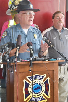 "<div class=""source"">Calen McKinney</div><div class=""image-desc"">Campbellsville Police Chief Hazlette explains how Campbellsville Fire & Rescue personnel Tony Grider and Alex Quinn were injured during a news conference on Thursday evening.</div><div class=""buy-pic""><a href=""http://web2.lcni5.com/cgi-bin/c2newbuyphoto.cgi?pub=085&orig=firefighter_press_conference_1.jpg"" target=""_new"">Buy this photo</a></div>"