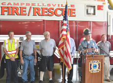 "<div class=""source"">Calen McKinney</div><div class=""image-desc"">Campbellsville Police Chief Hazlette explains how Campbellsville Fire & Rescue personnel Tony Grider and Alex Quinn were injured during a news conference on Thursday evening.</div><div class=""buy-pic""><a href=""http://web2.lcni5.com/cgi-bin/c2newbuyphoto.cgi?pub=085&orig=firefighter_press_conference_2.jpg"" target=""_new"">Buy this photo</a></div>"