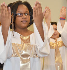 "<div class=""source"">Calen McKinney</div><div class=""image-desc"">Betty Pickett dances with Pleasant Union Baptist Church's youth group Joyful Light. The group performed a liturgical dance to ""Take Me To The King"" by Tamela Mann to encourage people to know Jesus.</div><div class=""buy-pic""><a href=""http://web2.lcni5.com/cgi-bin/c2newbuyphoto.cgi?pub=085&orig=gcu_black_history_5.jpg"" target=""_new"">Buy this photo</a></div>"