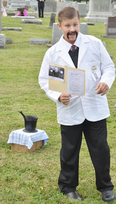 """<div class=""""source"""">Calen McKinney</div><div class=""""image-desc"""">Kameron Hughes portrays the spirit of the late Dr. W.T. Chandler. Chandler was a longtime doctor in the Taylor County community.</div><div class=""""buy-pic""""><a href=""""http://web2.lcni5.com/cgi-bin/c2newbuyphoto.cgi?pub=085&orig=ghost_tour_17.jpg"""" target=""""_new"""">Buy this photo</a></div>"""