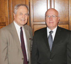 "<div class=""source"">Congressional Staff</div><div class=""image-desc"">Campbellsville Police Chief Tim Hazlette met with United States congressmen last Tuesday to talk about proposed legislation that would increase the state's length and weight limits for semi-trucks. Hazlette met with U.S. Rep. Ed Whitfield, R-Ky.</div><div class=""buy-pic""></div>"