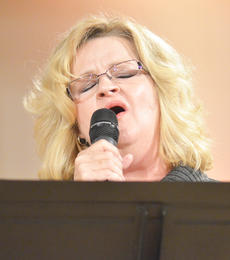 """<div class=""""source"""">Calen McKinney</div><div class=""""image-desc"""">Vicki Bishop of the new group Harvest performs at Hearts To Help, a fundraiser concert on Saturday to raise money for Green River Ministries.</div><div class=""""buy-pic""""><a href=""""/photo_select/48493"""">Buy this photo</a></div>"""