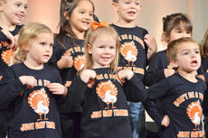 """<div class=""""source"""">Calen McKinney</div><div class=""""image-desc"""">Front, from left, Jenna Thompson, Lizzie Booe and Jase Jessie and, in back, Keaton Hord, Amy Gilbrech, Grayson Booe and Adrianah Goin perform with Campbellsville Christian Church's Tiny Tunes Children's Choir at Hearts To Help, a fundraiser concert on Saturday to raise money for Green River Ministries.</div><div class=""""buy-pic""""><a href=""""/photo_select/48433"""">Buy this photo</a></div>"""