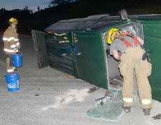 """<div class=""""source"""">Calen McKinney</div><div class=""""image-desc"""">Taylor County Sheriff's deputies are investigating a two-crash crash that happened just before 9 p.m. Saturday night at the intersection of KY 210 and Moss Road. An Elizabethtown man has been arrested and charged with DUI.</div><div class=""""buy-pic""""><a href=""""/photo_select/52440"""">Buy this photo</a></div>"""