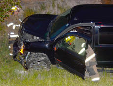 """<div class=""""source"""">Calen McKinney</div><div class=""""image-desc"""">Taylor County Sheriff's deputies are investigating a two-crash crash that happened just before 9 p.m. Saturday night at the intersection of KY 210 and Moss Road. An Elizabethtown man has been arrested and charged with DUI.</div><div class=""""buy-pic""""><a href=""""/photo_select/52435"""">Buy this photo</a></div>"""