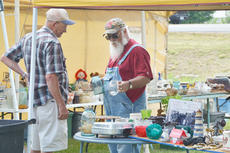 """<div class=""""source"""">File photo</div><div class=""""image-desc"""">Campbellsville City Council members had first reading of an ordinance to regulate yard sales at its meeting Monday night. </div><div class=""""buy-pic""""><a href=""""http://web2.lcni5.com/cgi-bin/c2newbuyphoto.cgi?pub=085&orig=sale_6.jpg"""" target=""""_new"""">Buy this photo</a></div>"""
