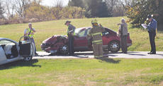 """<div class=""""source"""">Leslie Moore</div><div class=""""image-desc"""">Two people were injured Monday in a two-vehicle crash on Old Lebanon Road.</div><div class=""""buy-pic""""><a href=""""http://web2.lcni5.com/cgi-bin/c2newbuyphoto.cgi?pub=085&orig=trh_tbone_2_color.jpg"""" target=""""_new"""">Buy this photo</a></div>"""
