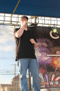 """Kenny Agee of Campbellsville sings Luke Bryan's hit """"Country Girl."""""""