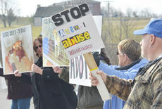 "<div class=""source"">Calen McKinney</div><div class=""image-desc"">About 50 protestors rallied at the Taylor County Animal Shelter on Saturday in the second rally to save the shelter.</div><div class=""buy-pic""><a href=""http://web2.lcni5.com/cgi-bin/c2newbuyphoto.cgi?pub=085&orig=Shelter%2BProtest%2B%25232%2B17.jpg"" target=""_new"">Buy this photo</a></div>"