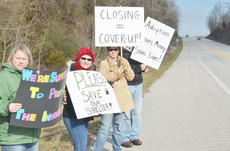 "<div class=""source"">Calen McKinney</div><div class=""image-desc"">About 50 protestors rallied at the Taylor County Animal Shelter on Saturday in the second rally to save the shelter.</div><div class=""buy-pic""><a href=""http://web2.lcni5.com/cgi-bin/c2newbuyphoto.cgi?pub=085&orig=Shelter%2BProtest%2B%25232%2B3.jpg"" target=""_new"">Buy this photo</a></div>"