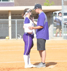 "<div class=""source"">photo/JOSH CLAYWELL</div><div class=""image-desc"">Campbellsville's Kenzi Forbis talks with Campbellsville coach Weston Jones on Wednesday.</div><div class=""buy-pic""><a href=""/photo_select/67014"">Buy this photo</a></div>"