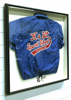 """<div class=""""source"""">Jeff Moreland</div><div class=""""image-desc"""">The old H&W jacket was one of the original hand-sewn jackets from about 30 years ago</div><div class=""""buy-pic""""><a href=""""/photo_select/66681"""">Buy this photo</a></div>"""