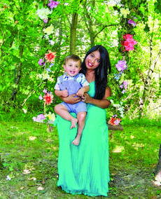 """<div class=""""source"""">photo/SUBMITTED</div><div class=""""image-desc"""">Padminee Bunch, the host of the """"Love Needs No Words"""" event, sits with her 2-year-old son Kieran.</div><div class=""""buy-pic""""></div>"""