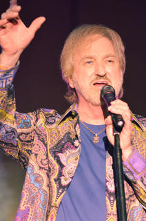 """Duane Allen sings """"No Matter How High"""" with his bandmates."""