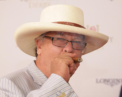 Comedian Ron White walks the red carpet before Saturday's Kentucky Derby 138.